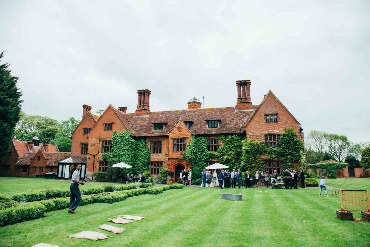 woodhall manor couples portraits outdoors