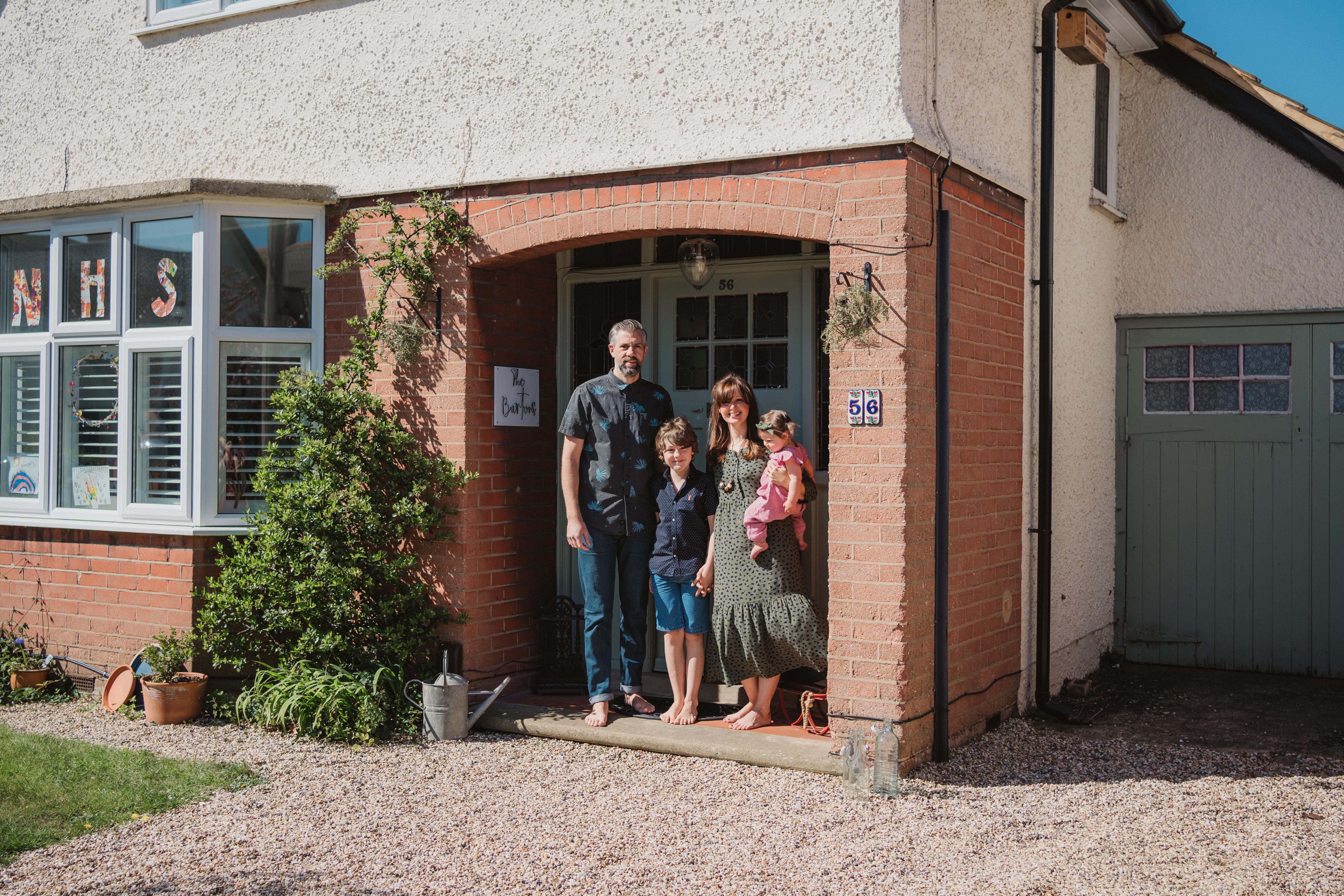 lockdown doorstep portrait photography in ipswich